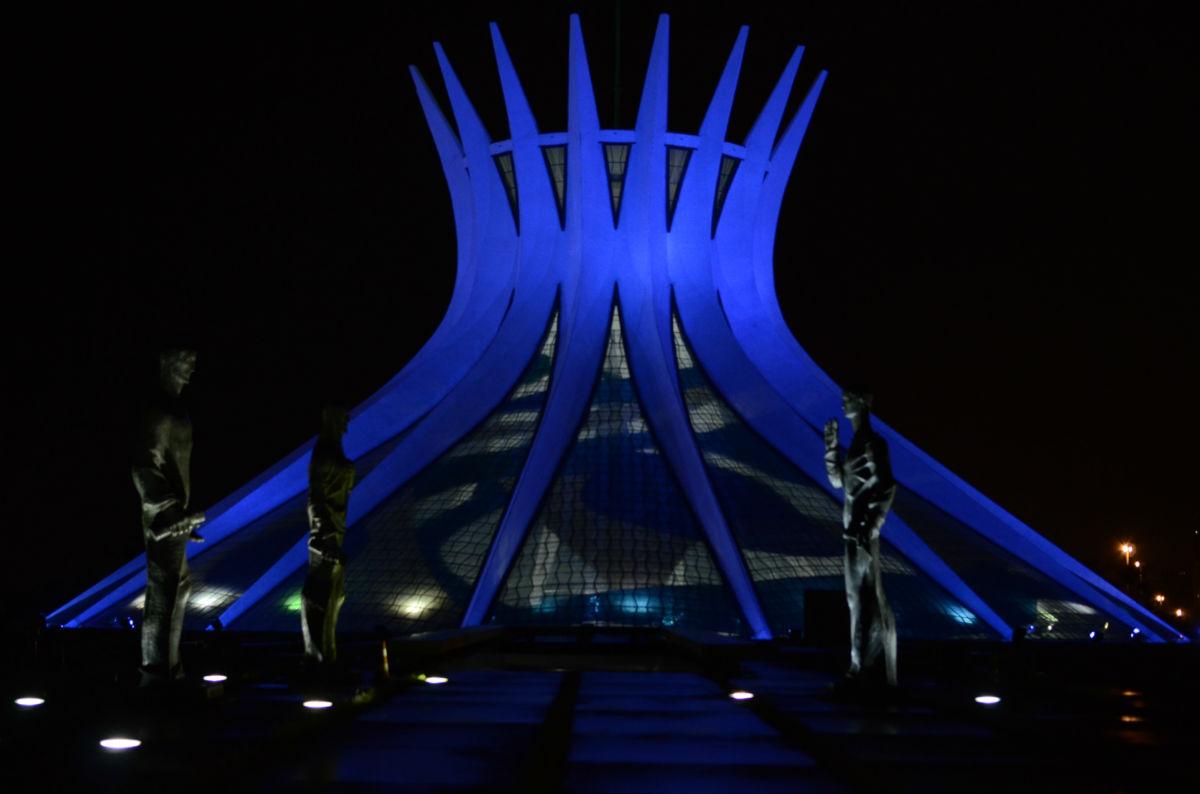 Brasilia_-_AR_-_catedral